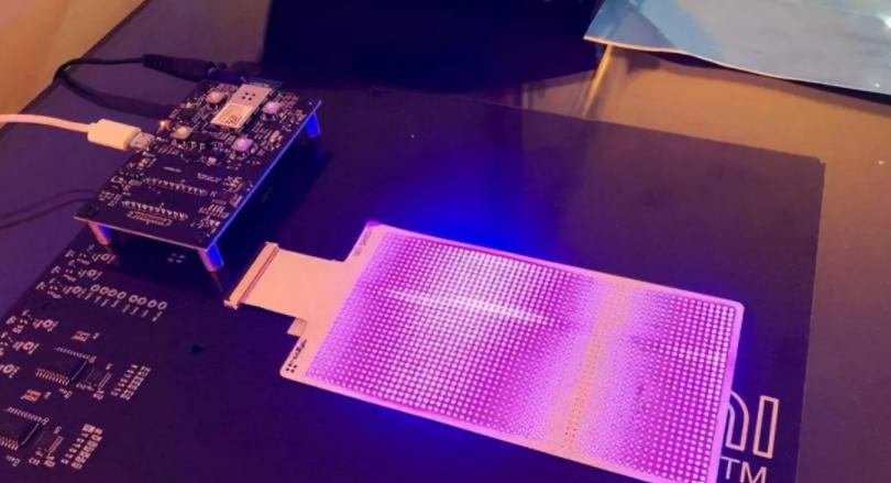 MicroLED迎来全新技术路线:南大王欣然教授与天马合作在二维半导体领域获重大突破  第2张